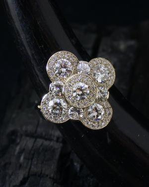 David Mann — Bijoutier à Liège - Bague fleur sertie de diamants
