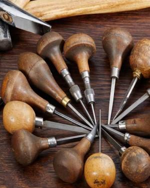 David Mann — Bijoutier à Liège - Outils de création de bijoux sur mesure artisan bijoutier joaillier sertisseur