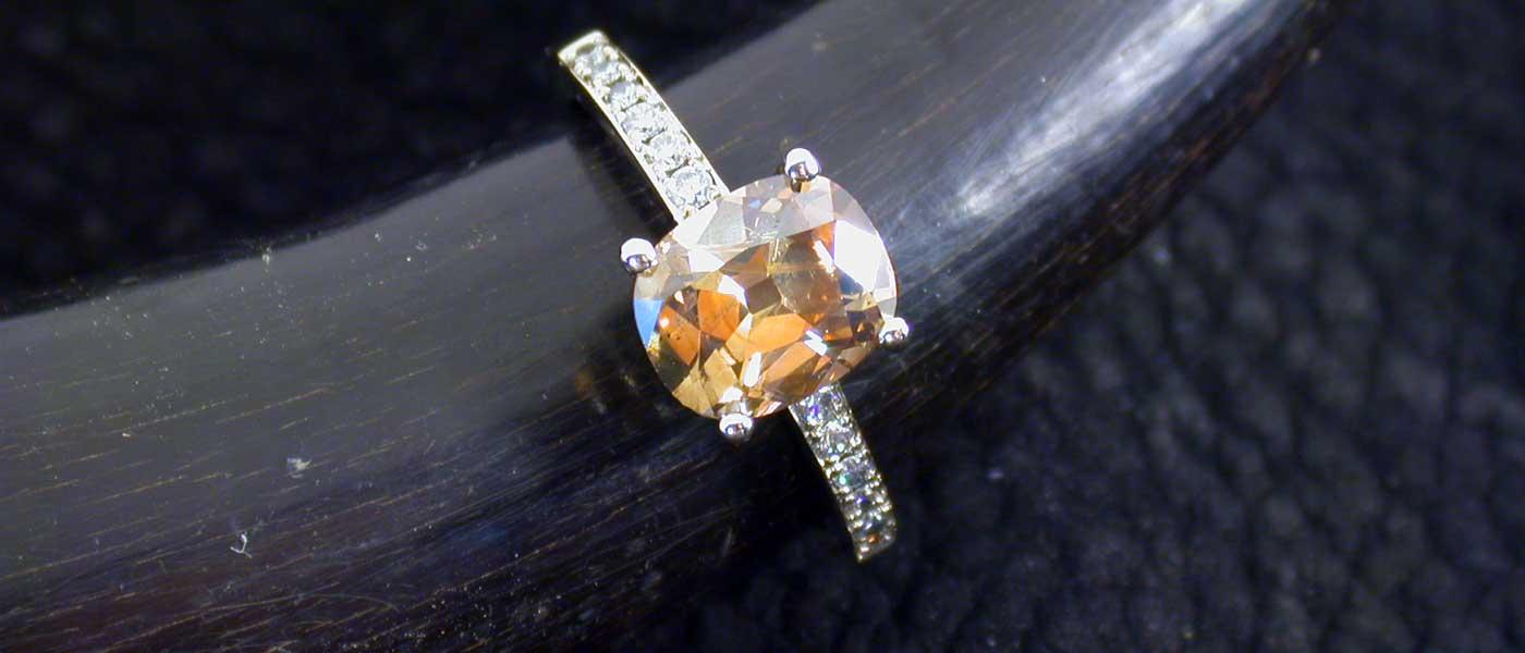 David Mann — Bijoutier à Liège - Bague citrine corps de bague en diamants