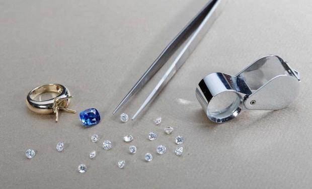 David Mann — Bijoutier à Liège - Pierres précieuses et diamants atelier bijoutier créateur sur mesure outils création de bijoux