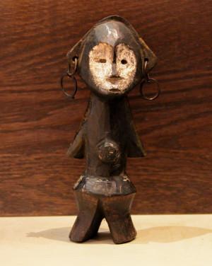 David Mann — Bijoutier à Liège - Art africain statuette Zande en bois